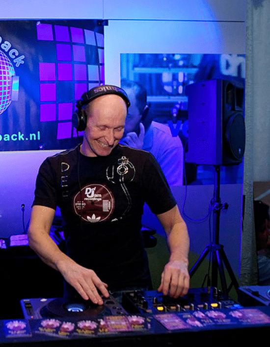 DJ MART
